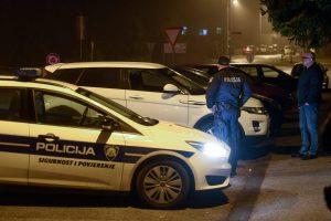 POLICIJA OKUPIRALA GRUŽ Pucnjava u obiteljskoj kući, više osoba ozlijeđeno