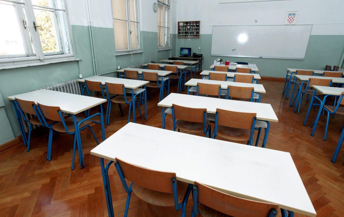 Učenici se u rujnu vraćaju u školske klupe, a još nisu poznate  epidemiološke mjere   Otvoreno.hr
