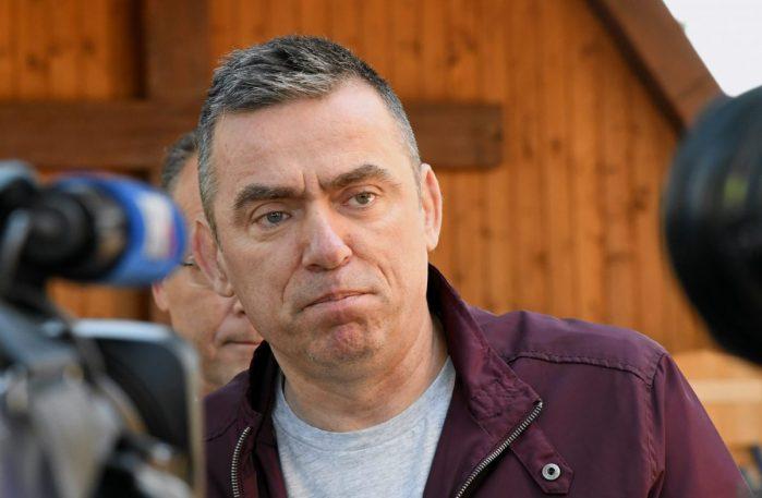 Mlinarić Ćipe na društvenim mrežama: Nadam se da će Pupovac i koalicijski  partneri uvažiti moju ispriku | Otvoreno.hr