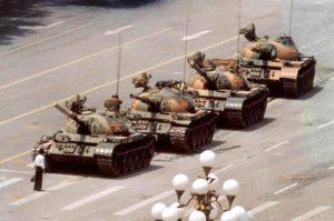 Unatoč zabrani građani Hong Konga obilježavaju pokolj na trgu Tiananmen